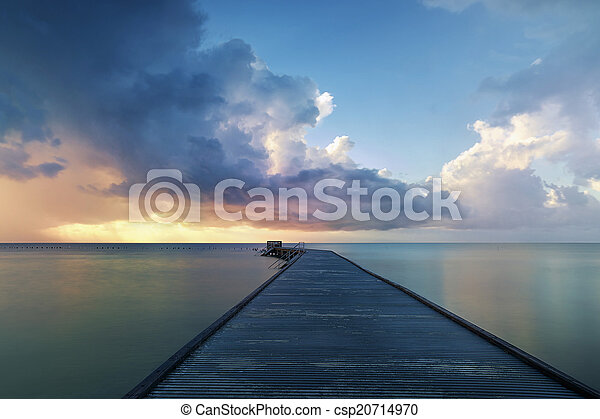 Amanecer en Key West - csp20714970