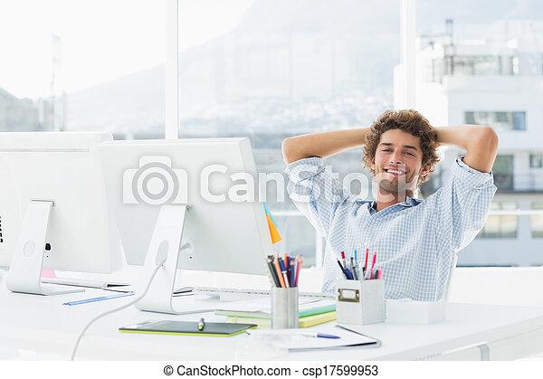 oficina, empresa / negocio, relajado, brillante, computadora, casual, hombre - csp17599953