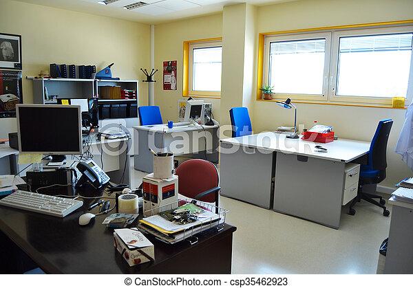 Oficina - csp35462923