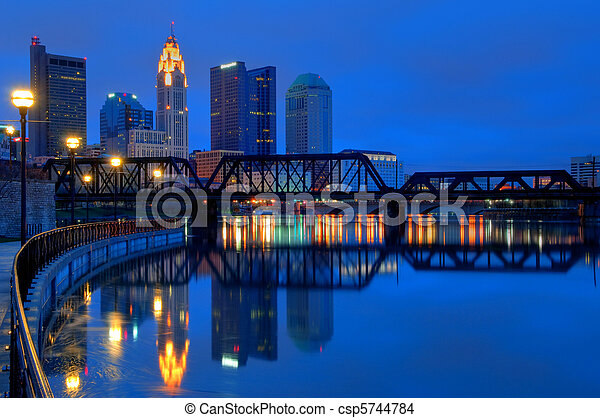 ohio, columbus, skyline, nacht - csp5744784