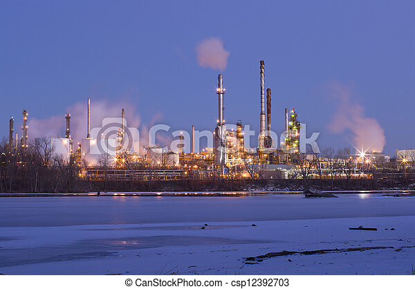 Oil Refinery on Mississippi River in St. Paul Park - csp12392703