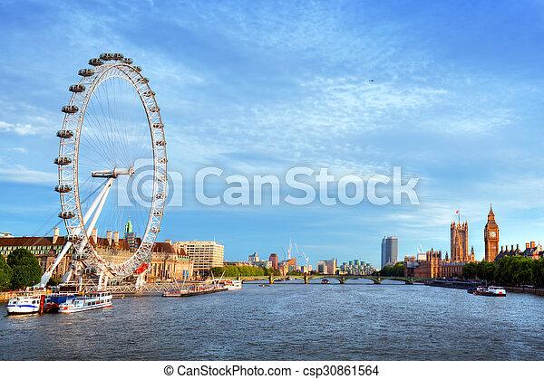 Londres, el horizonte del Reino Unido. Big Ben, ojo london y río talmes. Símbolos ingleses - csp30861564