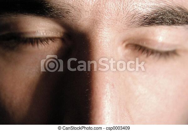Ojos cerrados - csp0003409