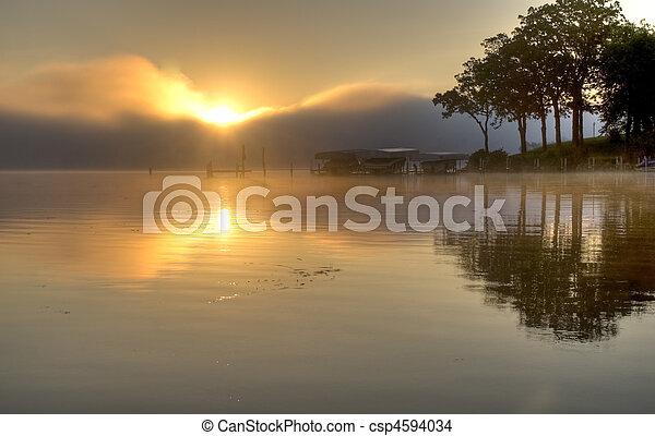okoboji, hen, sø, solopgang - csp4594034