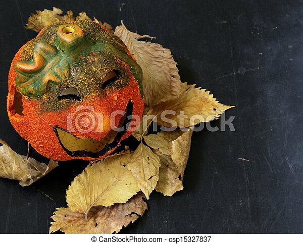 Halloween calabaza Jack O'lantern - csp15327837