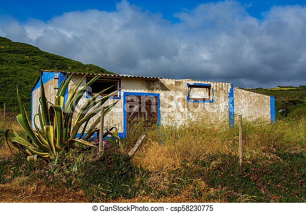 Old abandoned house - csp58230775
