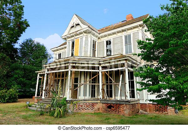 Old Abandoned Mansion - csp6595477