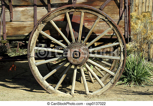 Old Antique Wagon Wheel - csp0137022