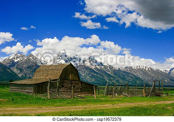 Old Barn - csp19572379