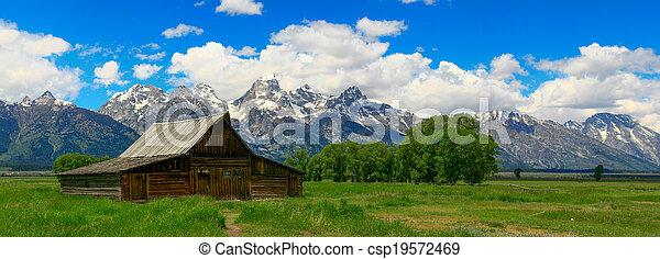 Old Barn - csp19572469