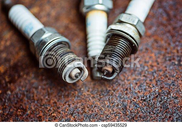 Car Spark Plug >> Old Broken Car Spark Plugs