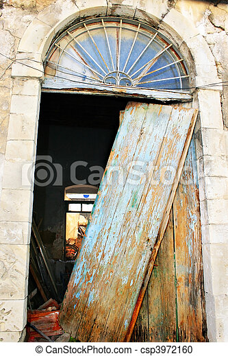 Nice Old Broken Door   Csp3972160