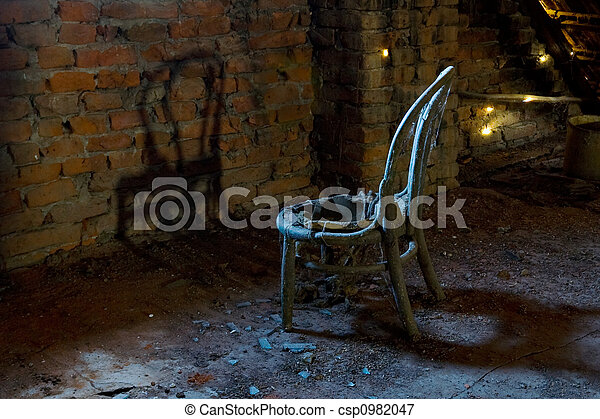Old chair - csp0982047