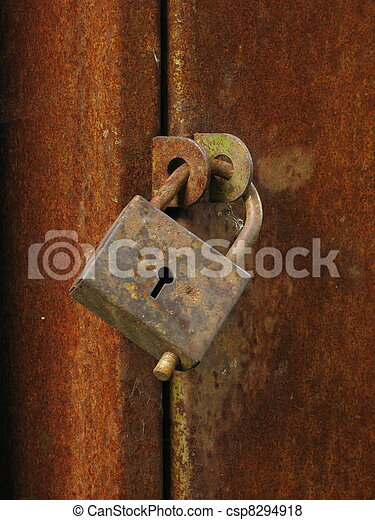 Old closed padlock - csp8294918