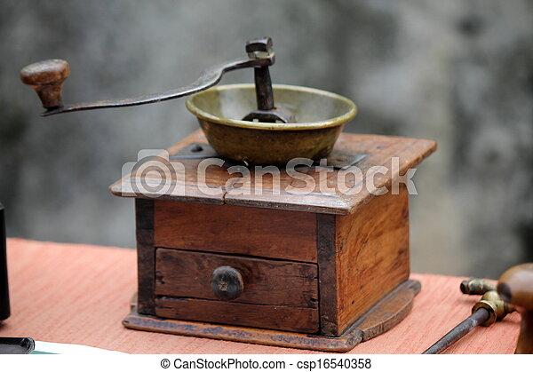 old coffee grinder - csp16540358