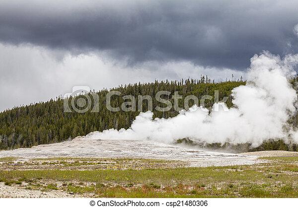 Old Faithful Geyser in Yellowstone National Park - csp21480306