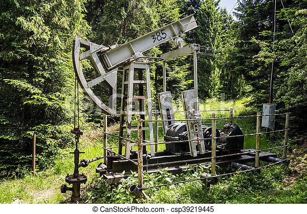 old-fashioned oil pump - csp39219445