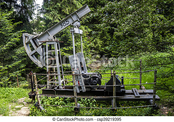 old-fashioned oil pump - csp39219395