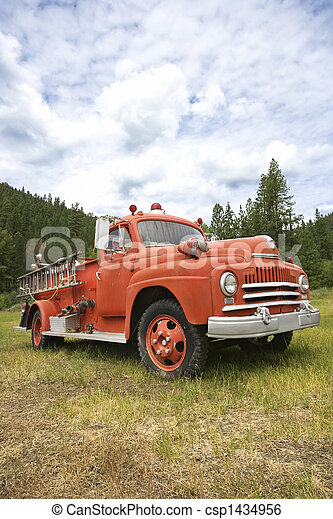 Old fire truck. - csp1434956