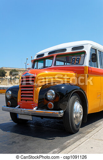 Old Maltese Bus (1952) - csp1091126