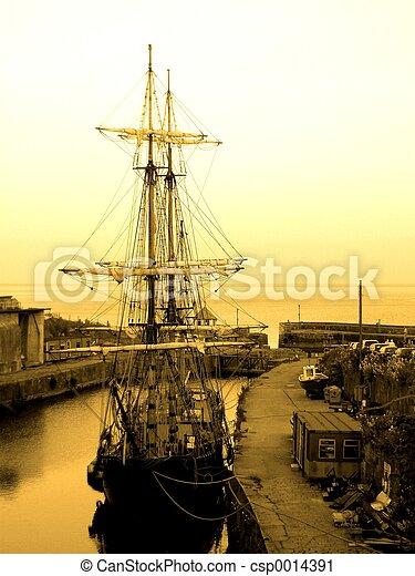 Old Ship - csp0014391