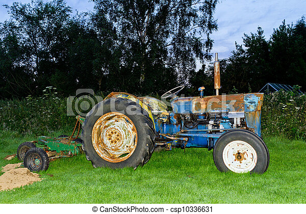 Old Tractor - csp10336631