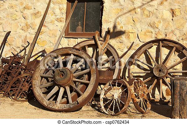 Old Wagon Wheels   Csp0762434