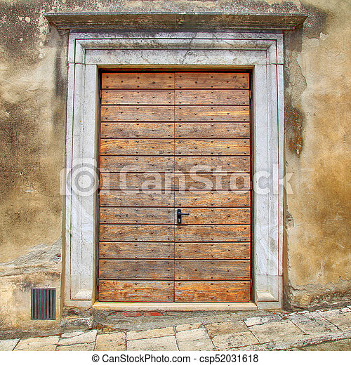 Old Wooden Door In Rural Italian House Tuscany Italy Old Brown Wooden Door In Rural Ancient Italian House Tuscany Italy