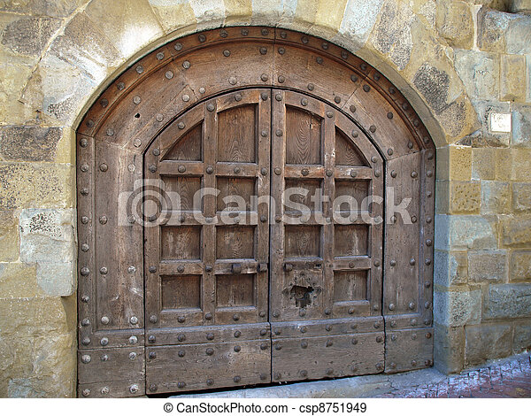 Old wooden door in Tuscany - csp8751949