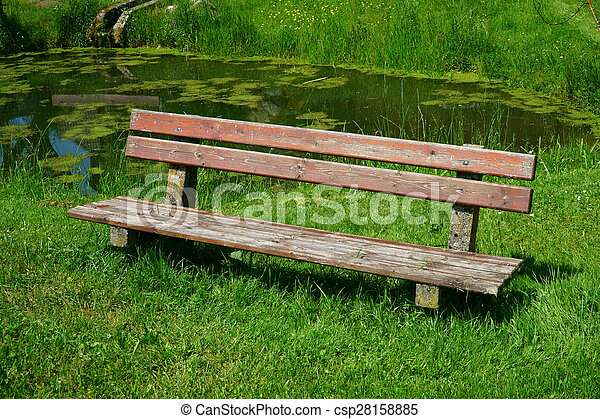 Old Wooden Seat Bench In The Garden   Csp28158885