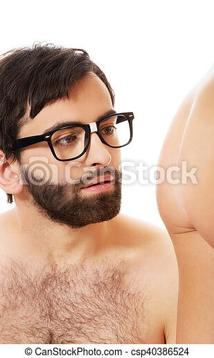 Homens e mulher pelados