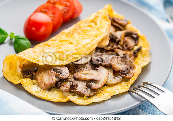 Omelette with mushrooms - csp24181812