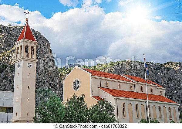 omis, str., croatia., petra, kirche - csp61708322