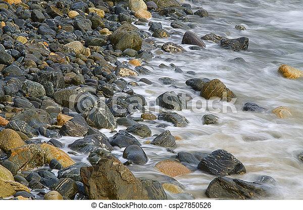 ondas, pedras - csp27850526