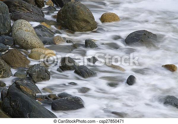 ondas, pedras - csp27850471