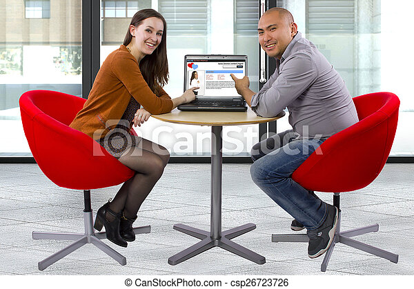 Interracial online dating dejta din väns äldre bror