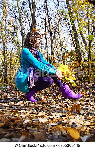 orange part, girl, automne - csp5305449