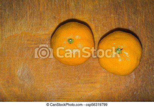 orange, planche découper - csp56319799