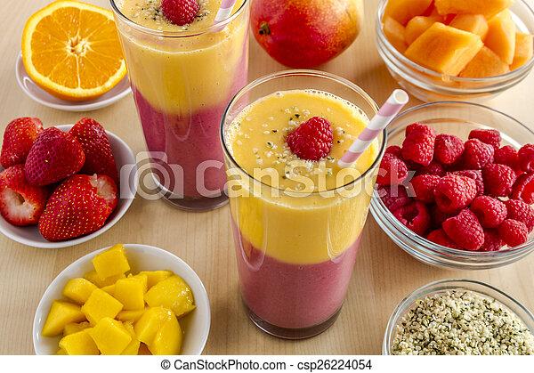 orange, smoothies fraise, mangue, framboise - csp26224054