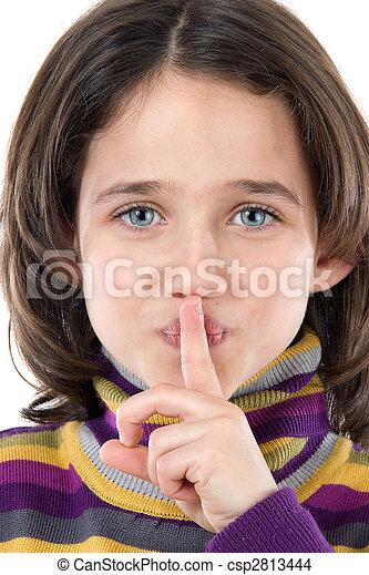 Una chica adorable ordenando silencio - csp2813444