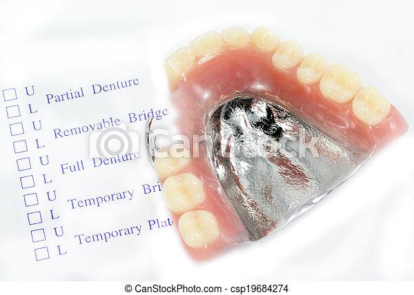 order denture - csp19684274