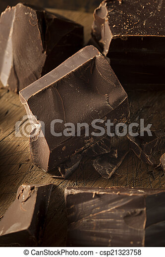 Organic Dark Chocolate Chunks - csp21323758
