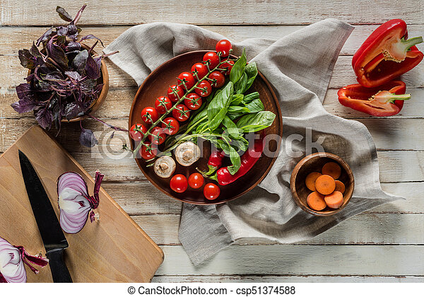 organic fresh vegetables - csp51374588