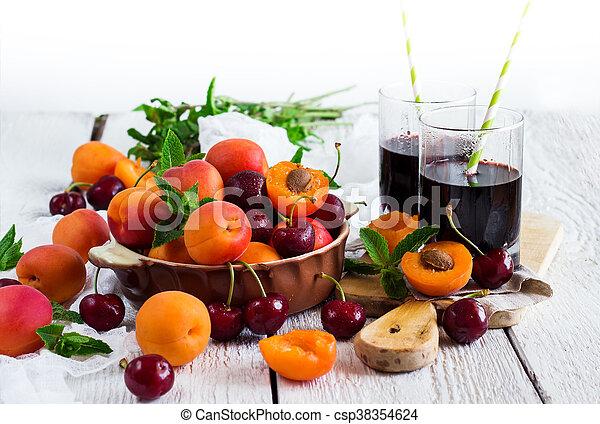 organique, mûre, céramique, bol, abricots, cerises - csp38354624