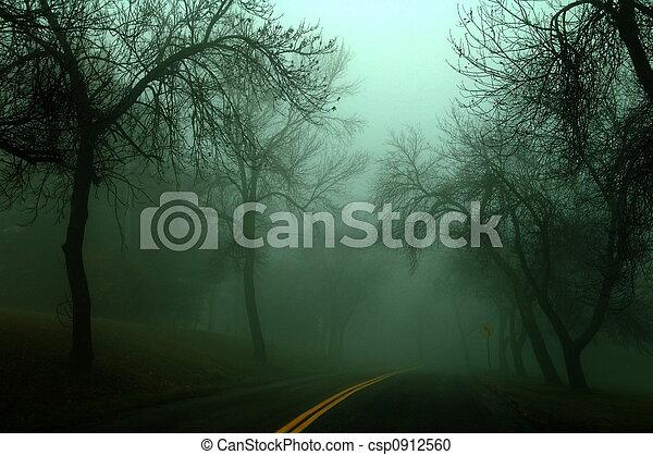 Camino oscuro - csp0912560