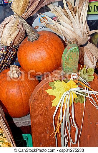 Decoración de calabaza de otoño - csp31275238