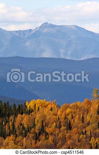 Otoño en las montañas británicas de Columbia - csp4511546