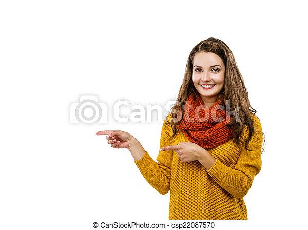 Una chica con ropa de otoño - csp22087570