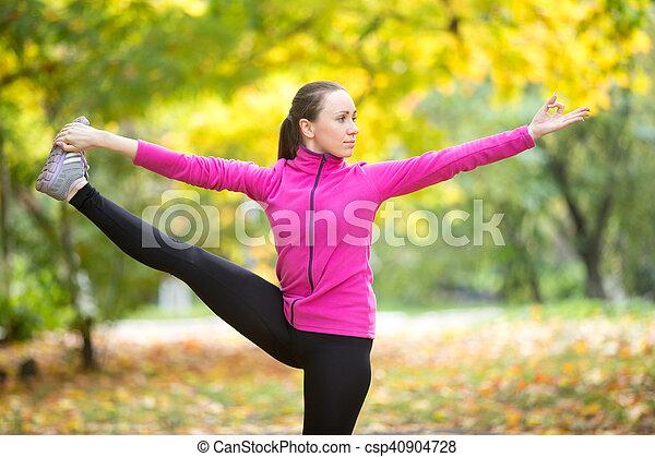 otoño, outdoors:, hasta, padangustasana, utthita, condición física - csp40904728