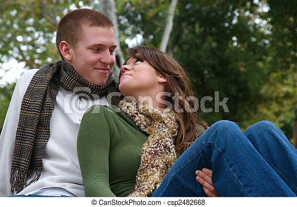 otoño, parejas - csp2482668
